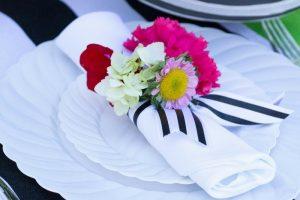 Comment faire des fleurs à partir de serviettes en papier recyclables